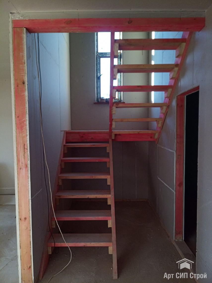 Черновая лестница